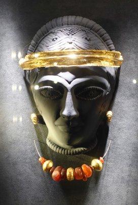 Jewellery from Etruscan tomb Ferrara Archeological Museum