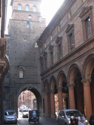 Bologna San Vitale gate torresotto