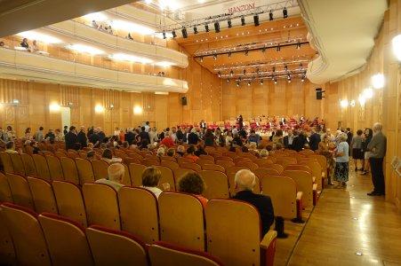 teatro manzoni bologna