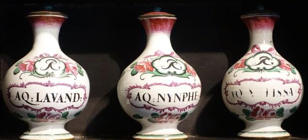 Farmacia Toschi Bologna majolica vases