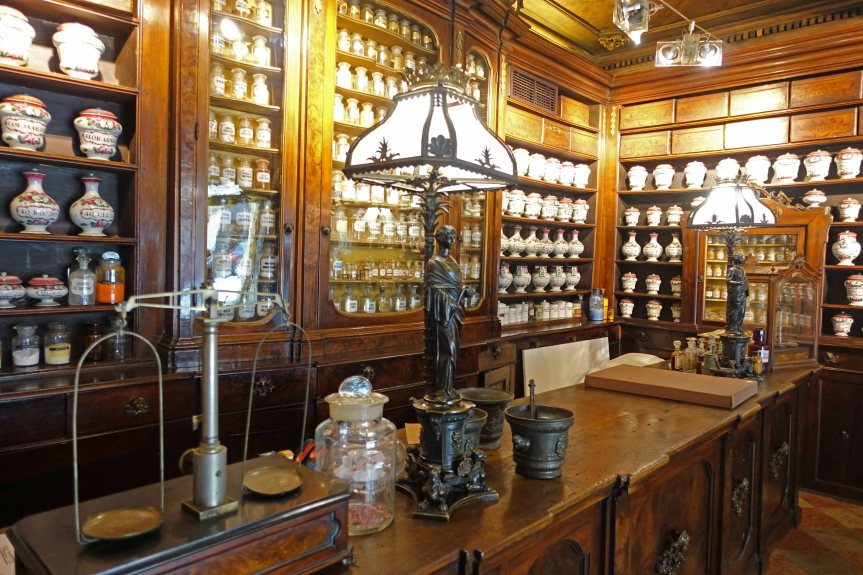 Toschi Pharmacy bologna
