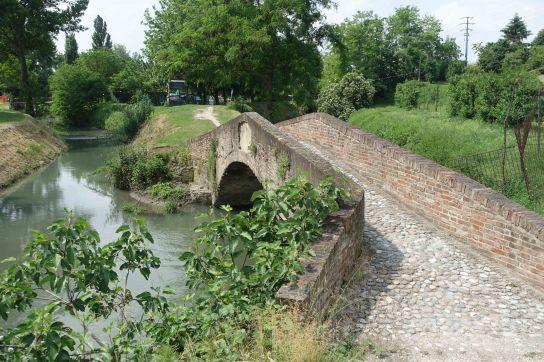 la bionda bridge bologna navile