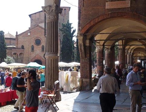 Bologna piazza santo stefano market