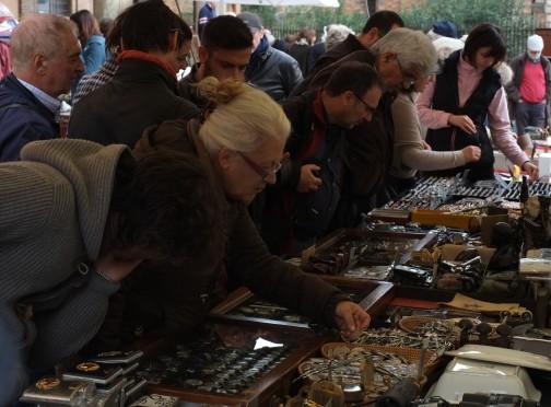 bologna antique market