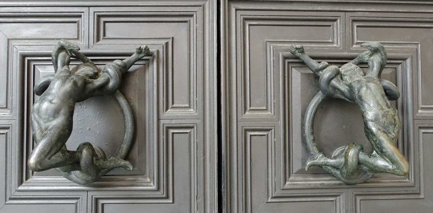 Bologna's Doorknockers
