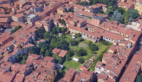 aerial view of the Orti di Orfeo, Bologna. (Google Earth)
