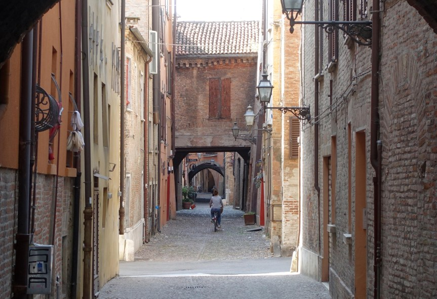 A Day Trip to Ferrara