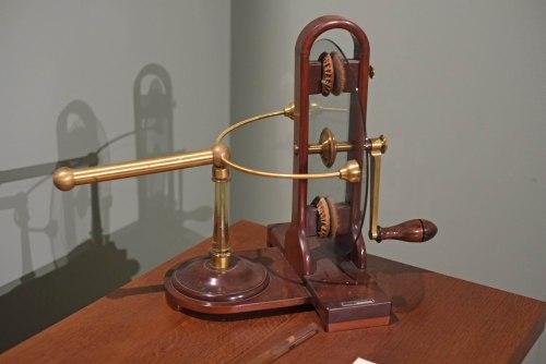 Ramsden electrostatic generator Pogg Museum