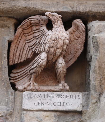 This eagle is frequently attributed to Niccolò dell'Arca and unfavourably compared to its twin.